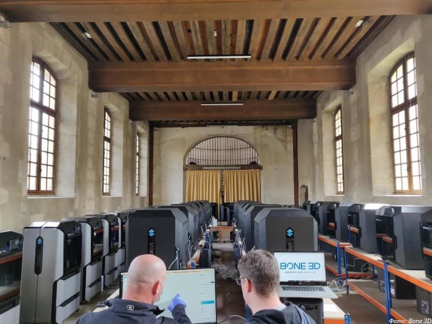 Парижская больница установила ферму из шестидесяти 3D-принтеров