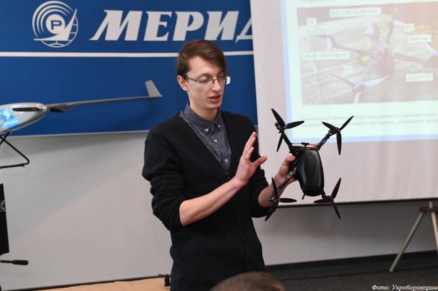Укроборонпром продемонстрировал разведывательный квадрокоптер c 3D-печатной рамой