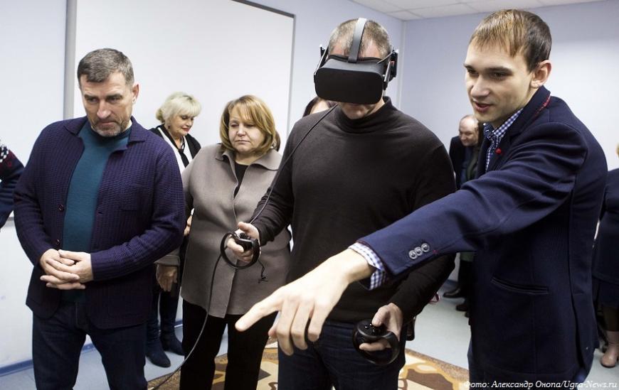 В Югре запустят мобильный технопарк для пенсионеров