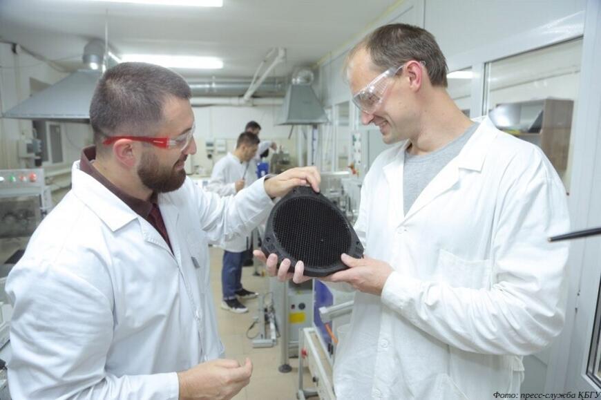 Ученые КБГУ и СПбПУ сообщили о первых результатах совместной разработки конструкционных полимерных композиционных материалов