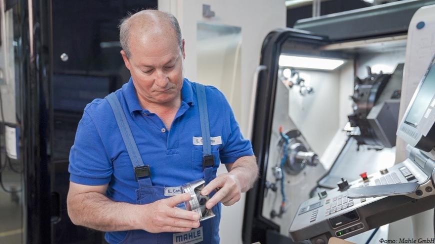 Компания Mahle испытала экспериментальные 3D-печатные поршни двигателя спорткара