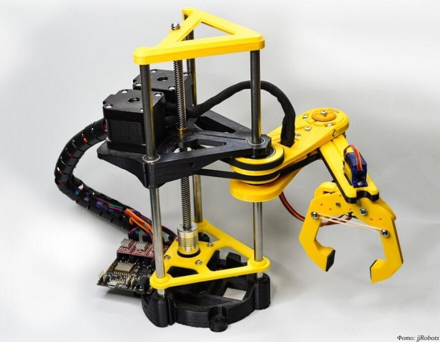 PyBot: 3D-печатный робот-манипулятор с механикой SCARA