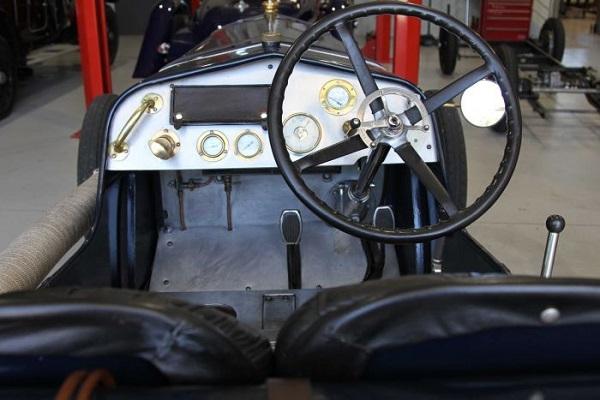 Стародавний гоночный автомобиль был восстановлен при помощи 3D-печати