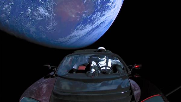 Зачем Илону Маску нужен кабриолет вкосмосе— Космический ущерб Tesla