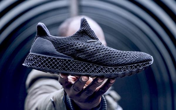 Adidas начинает реализацию кроссовок, сделанных на3D-принтере