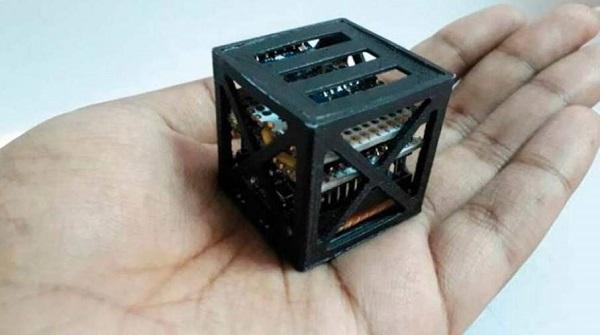 Ученик  изИндии изобрел спутник-крошку для NASA весом в64 грамма