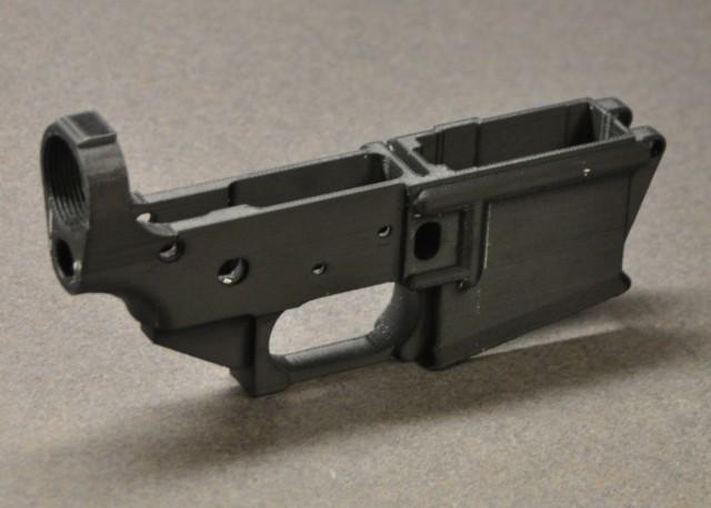Функциональная 3D-печатная ствольная коробка от AR-15 без каких-либо номеров
